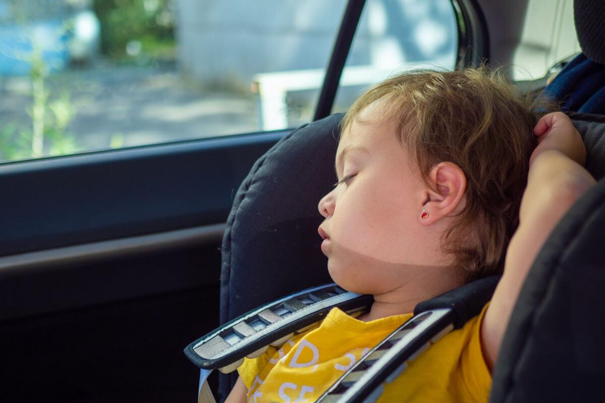 Kind nicht im Auto vergessen!