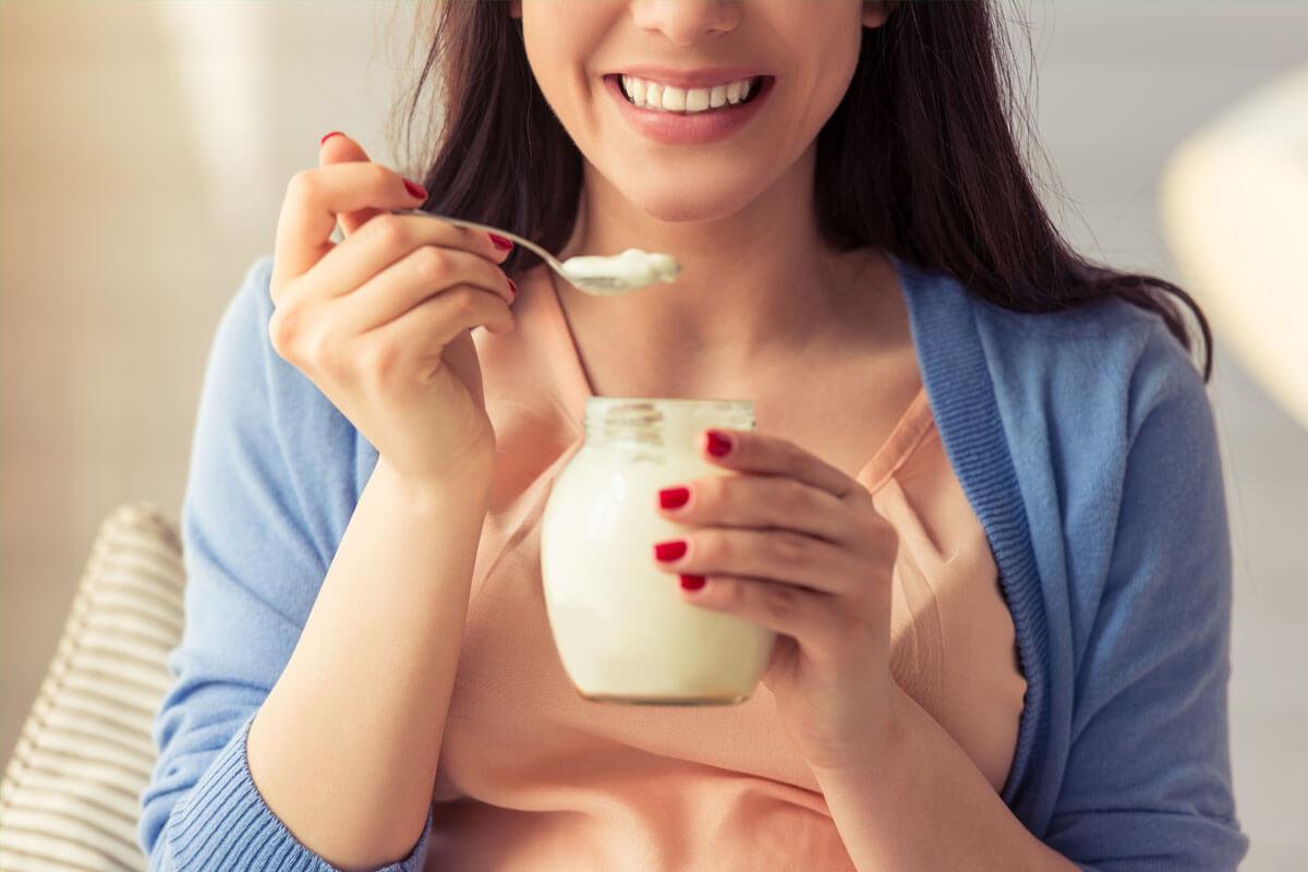 Mit Joghurt gegen Reizdarm