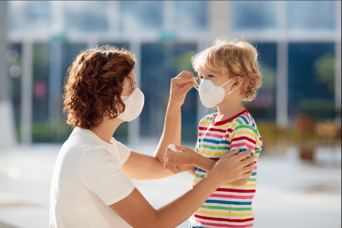 Mund-Nasen-Maske sicher anwenden