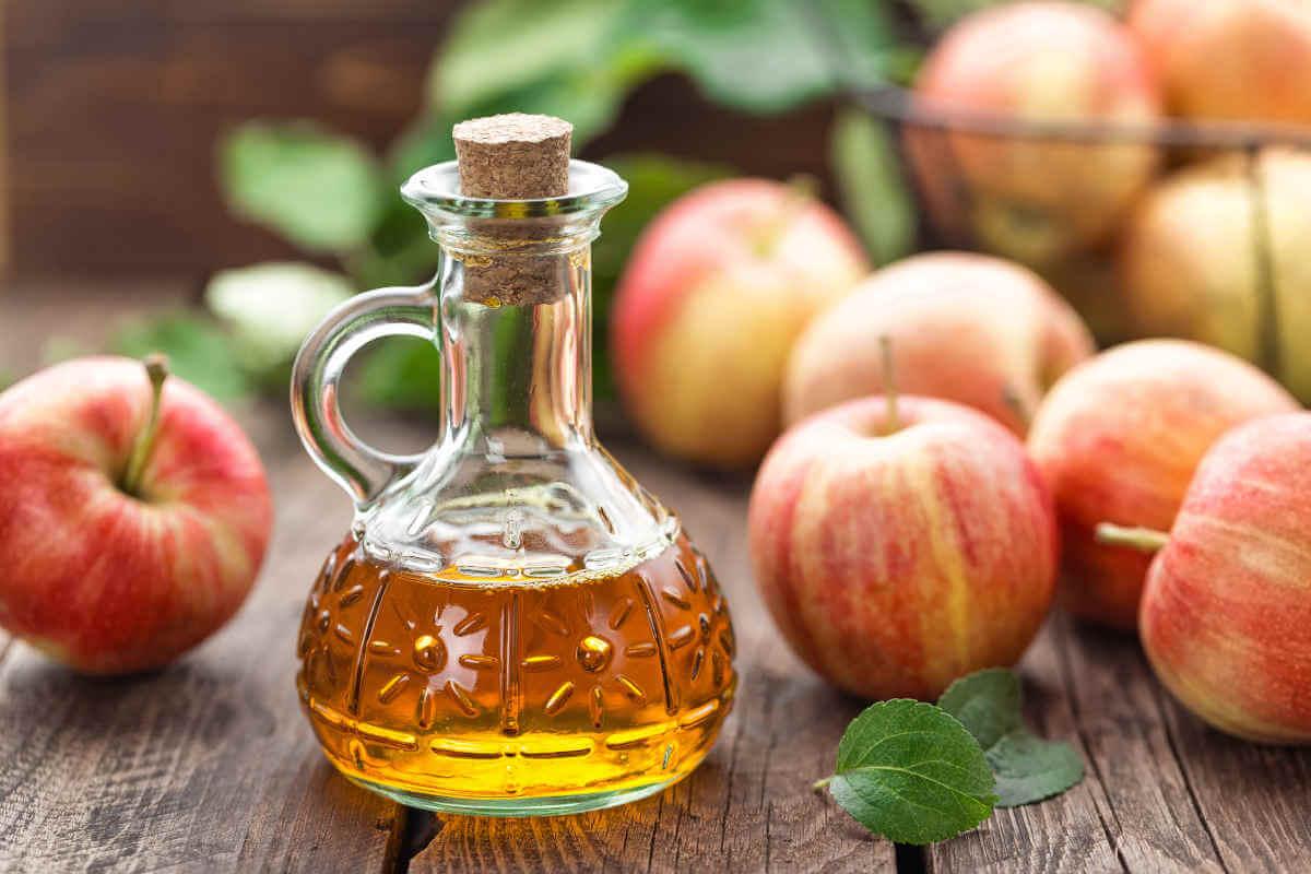 Nahrungsergänzung im Blick: Apfelessig