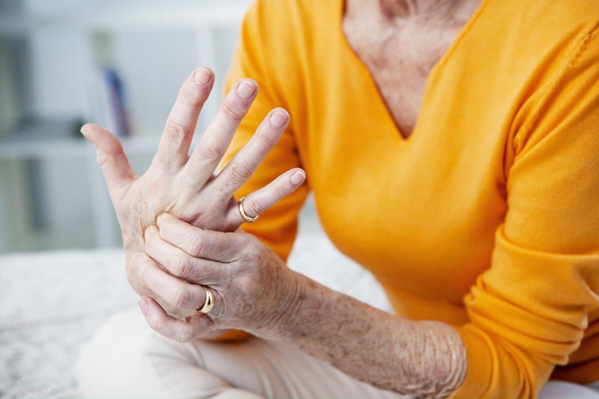 Auslöser für Sehnenschmerzen: Entzündungen von Sehnen, Bändern & Gelenken