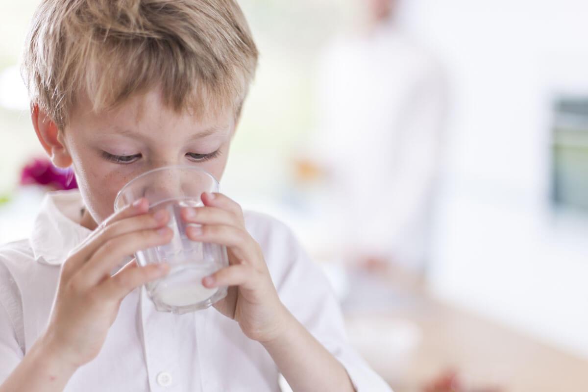 Schützt Milch vor Knochenbrüchen?