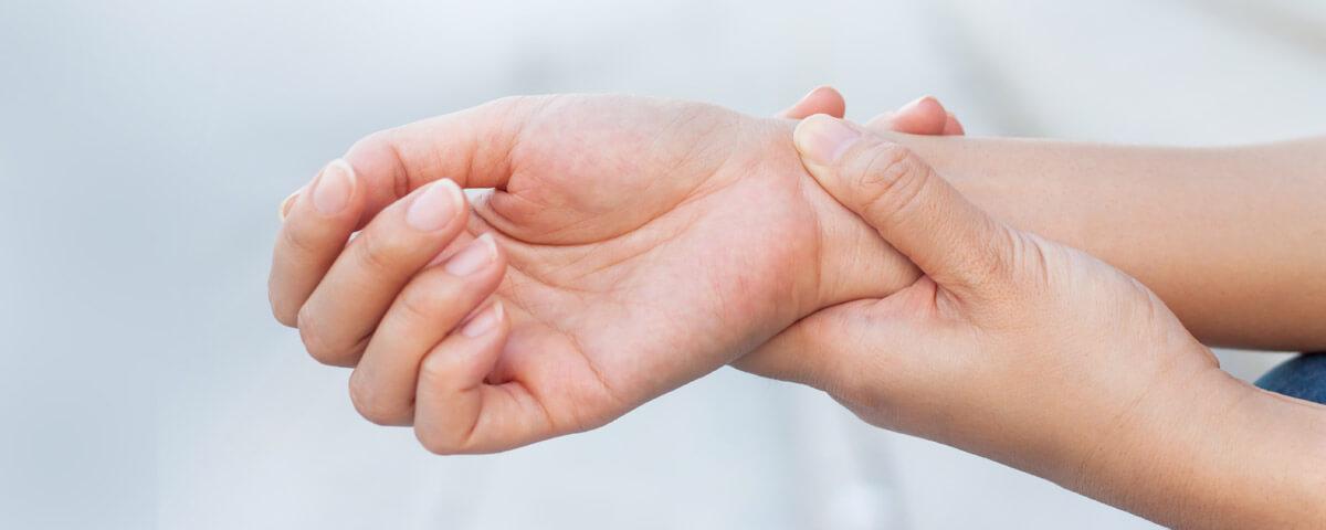 Sehnenscheidenentzündung am Handgelenk: Apotheke, Notdienst ...